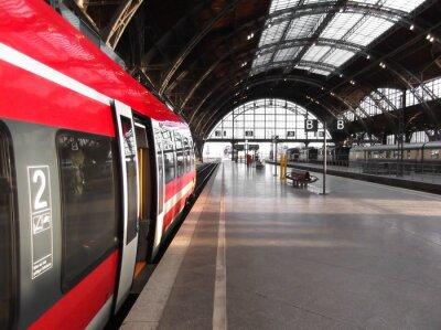 Póster Bahn hält in Bahnhof