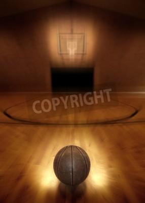 Póster Baloncesto en el piso de la cancha de baloncesto vacía