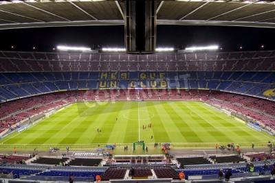 Póster BARCELONA - 16 de diciembre: Vista del estadio Camp Nou antes del partido de la Liga española entre el FC Barcelona y el Atlético de Madrid, el marcador final 4-1, el 16 de diciembre de 2012, en Barce