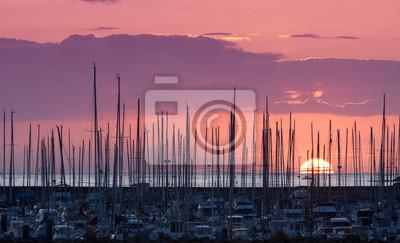 bateau puerto mer voilier plaisancier vacances naviguer aparcamiento mâ