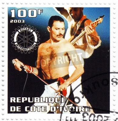 Póster BENIN - CIRCA 2003 sello impreso en Benin muestra líder Freddie Mercury a la Reina - 1980 famoso grupo pop musical, alrededor del año 2003