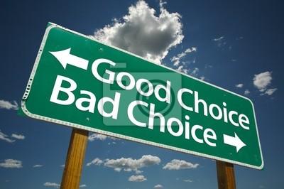 Buena elección, Bad Choice carretera con el cielo azul y las nubes.