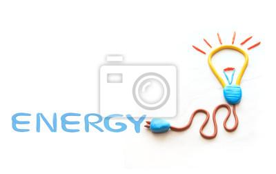 cable de la bujía de la lámpara del bulbo y la redacción de la energía en el fondo blanco