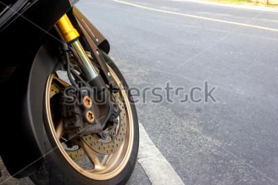 Póster Calibrador de rueda delantera y freno de disco abs motocicleta en carretera