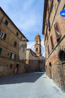 Callejón en Siena, Toscana, Italia