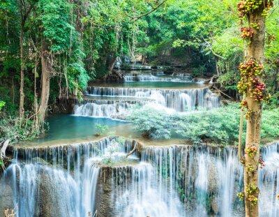 Póster Cascada profunda del bosque en Huay Mae Kamin, Kanchanaburi, Tailandia