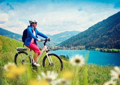 Póster chica con la e-bici de naturaleza / e-power 04