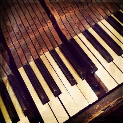 Póster Claves de un piano antiguo roto