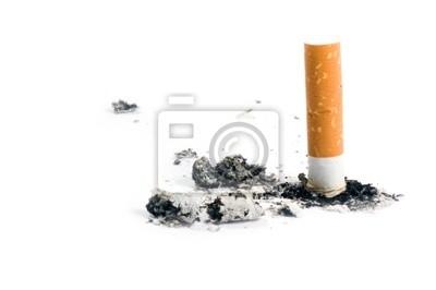 colilla de cigarrillo en blanco