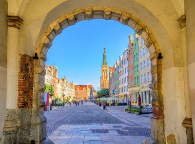 Póster Coloridas fachadas góticas en el casco antiguo de Gdansk, Polonia