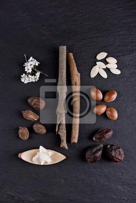 Composición de la manteca de karité y nueces, frutos de argán y semillas