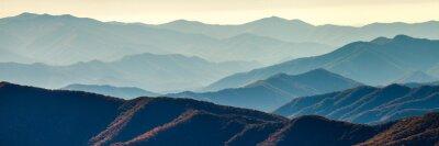 Póster Cordillera ahumada de la montaña