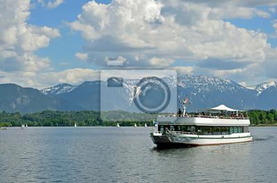 Dampfer auf dem Staffelsee bei Uffing
