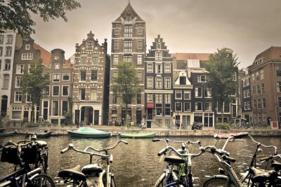 Póster día gris en la ciudad de Amsterdam