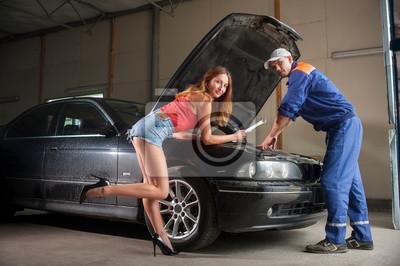 Dos, gente, examen, coche, motor, auto, reparación, tienda