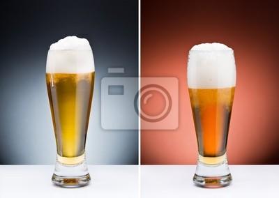 Dos vasos separados de cerveza