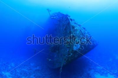 Póster El Salem Express era un barco de pasajeros que se hundió en el Mar Rojo. Es controvertido debido a la trágica pérdida de vidas que se produjo cuando se hundió poco después de la medianoche del 17 de d