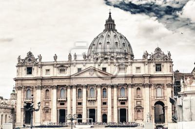El Vaticano con el cielo bonito.