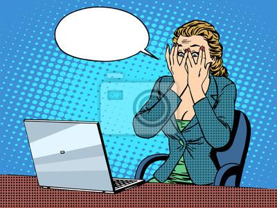 Empresaria con malas noticias del ordenador portátil