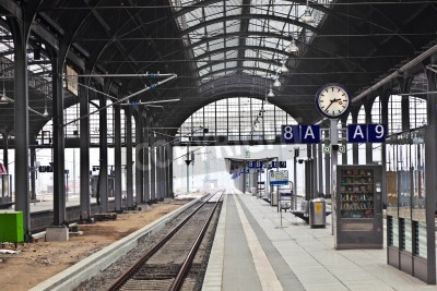 Póster estación de tren classicistical en Wiesbaden, Alemania