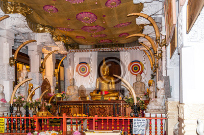 Estatua de Buda en el templo de Kandy