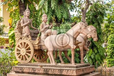 Estatua en Phnom Penh
