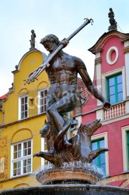 Póster Famosa fuente de Neptuno en la Plaza Dlugi Targ. Casco antiguo de Gdansk es el destino turístico famoso, consideraron para su inclusión en la Lista del Patrimonio Mundial de la UNESCO.