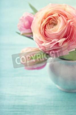 Póster Flores de color rosa en un florero