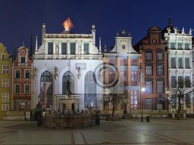 Fuente de Neptuno y la Corte Artus en Gdansk, Polonia.