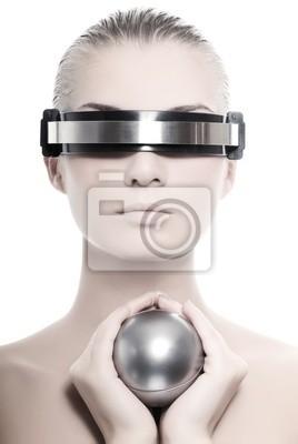 Hermosa mujer cyber aislados en fondo blanco