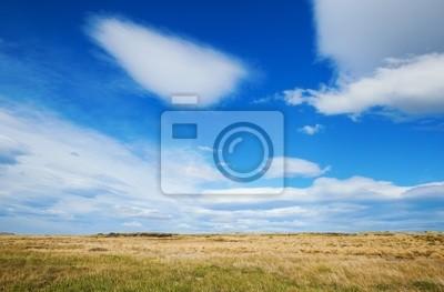 Hermoso cielo en la Patagonia con las nubes lenticulares