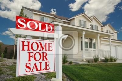 Hogar para firmar la venta delante de bellas nuevo hogar