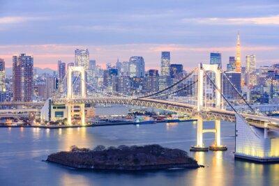 Póster Horizonte de Tokio con la torre de Tokio y el puente del arco iris