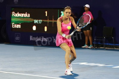 Póster Hua Hin, Tailandia - 1 de enero de 2016: Agnieszka Radwanska ocupa el puesto 5 en el mundo. Campeonato Mundial de Tenis Tailandia 2016 en el True Arena Hua Hin club deportivo, Prachuap Khiri Khan.