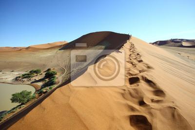 Impresiones del pie en la duna en Sossusvlei