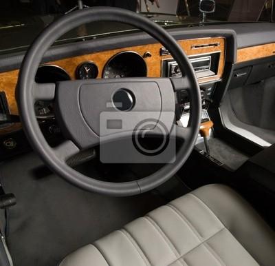 Interior de lujo del coche viejo