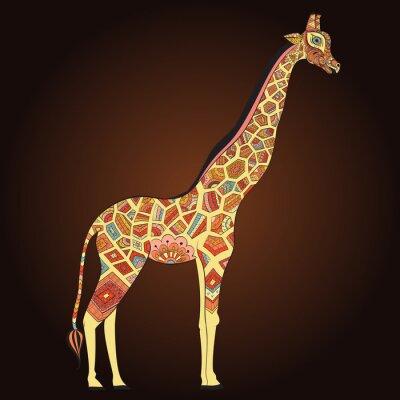 Póster Jirafa adulta hermosa en boho. Dibujado a mano Ilustración de la jirafa ornamental. Jirafa de color sobre fondo ornamental.