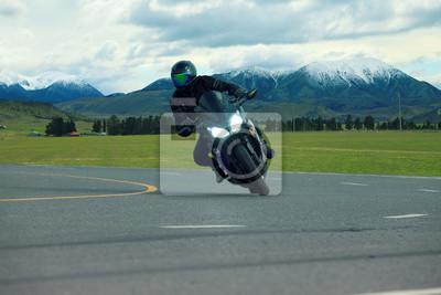 Joven, equitación, grande, bicicleta, motocicleta, asfalto,