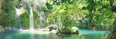 Póster Kursunlu Panorama de la cascada en el pavo de parques nacionales