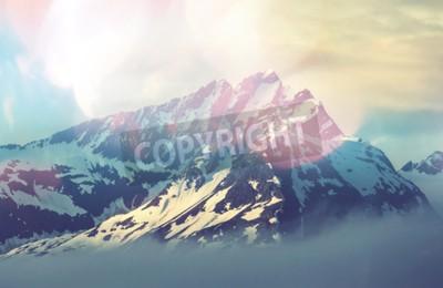 Póster la cima de la montaña