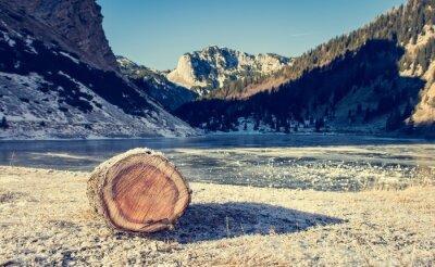 Póster Lago congelado de montaña.