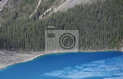 Lago en Las Rocosas Canadienses.