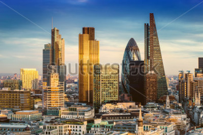 Póster London, England - Business district with famous skyscrapers and landmarks at golden hour