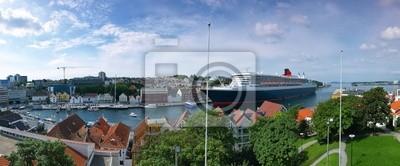 Los grandes buques de crucero en el puerto