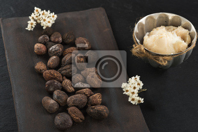Mantequilla de karité y nueces de karité