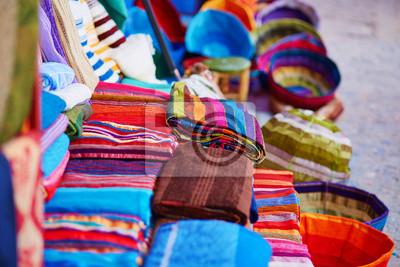 Mercado tradicional en Chefchaouen, Marruecos