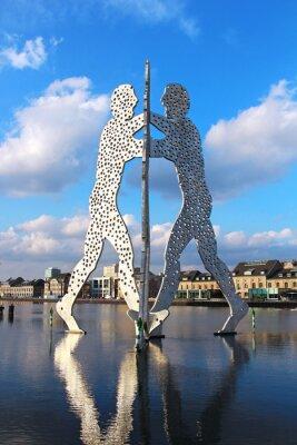 Póster Molécula escultura El hombre en el río Spree en Berlín