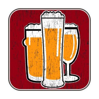 Póster montaña del vector con diferentes vasos de cerveza con cero