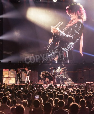 Póster MOSCOW, RUSSIA - MAY 24, 2014 - Amerocan rock band Aerosmith performs at Olimpiysky on May 24, 2014 in Moscow