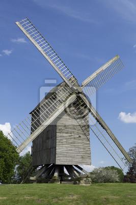 Moulin à vent sur pioche de Saint-Maxent (Somme)